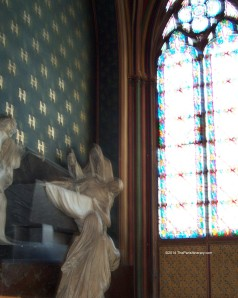 The-Paris-Itinerary-2014-Notre-Dame-worship-alcove