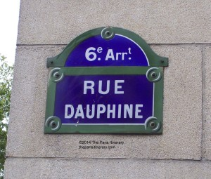 The-Paris-Itinerary-Parisian-street-sign